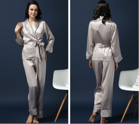 Natural silk pajamas, shaping the body