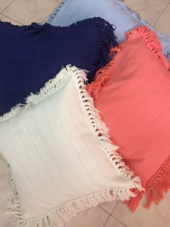 Great pillow cases 50x50cm, different tassel colors