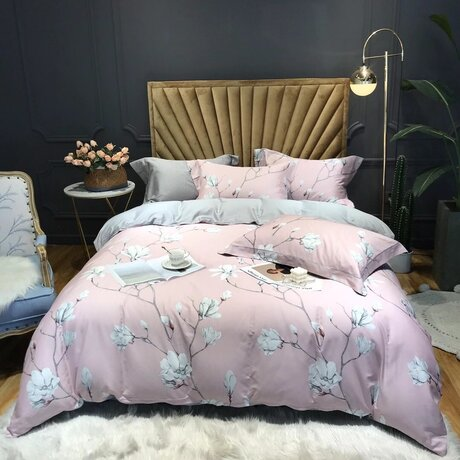 "Bedding set for luxury bedroom, made of 300TC satin cotton fabric ""Twings in bloom"" in pink"